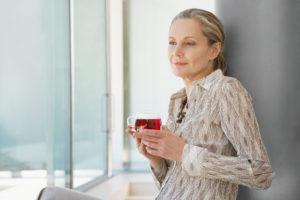 mature-woman-fruit-tea