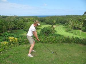 Amanda Thomas golfing