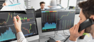 make use of a financial advisor