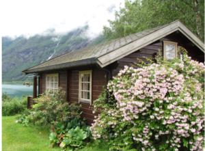lakeside vacation home